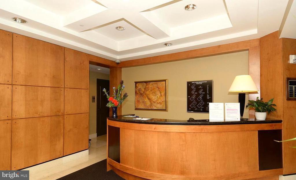 Concierge - 1830 FOUNTAIN DR #1206, RESTON