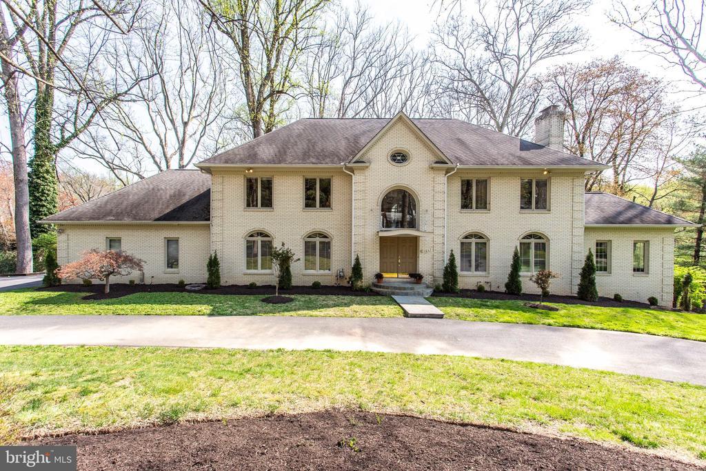 Welcome home to 847 Whann Avenue - 847 WHANN AVE, MCLEAN