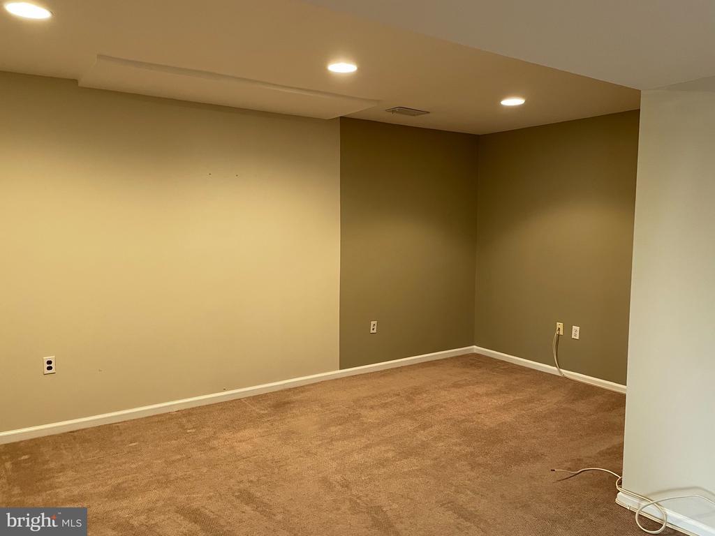 Basement area w/bedspace nook - 5853 KARA PL, BURKE