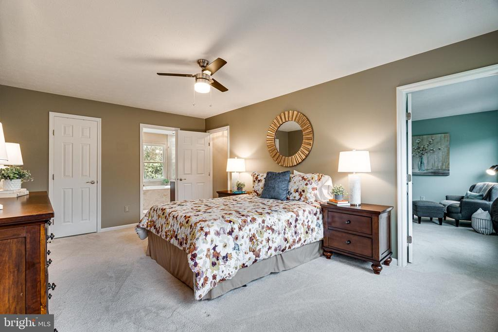 Owners turned adjacent bedroom into sitting room - 14721 PICKETS POST RD, CENTREVILLE