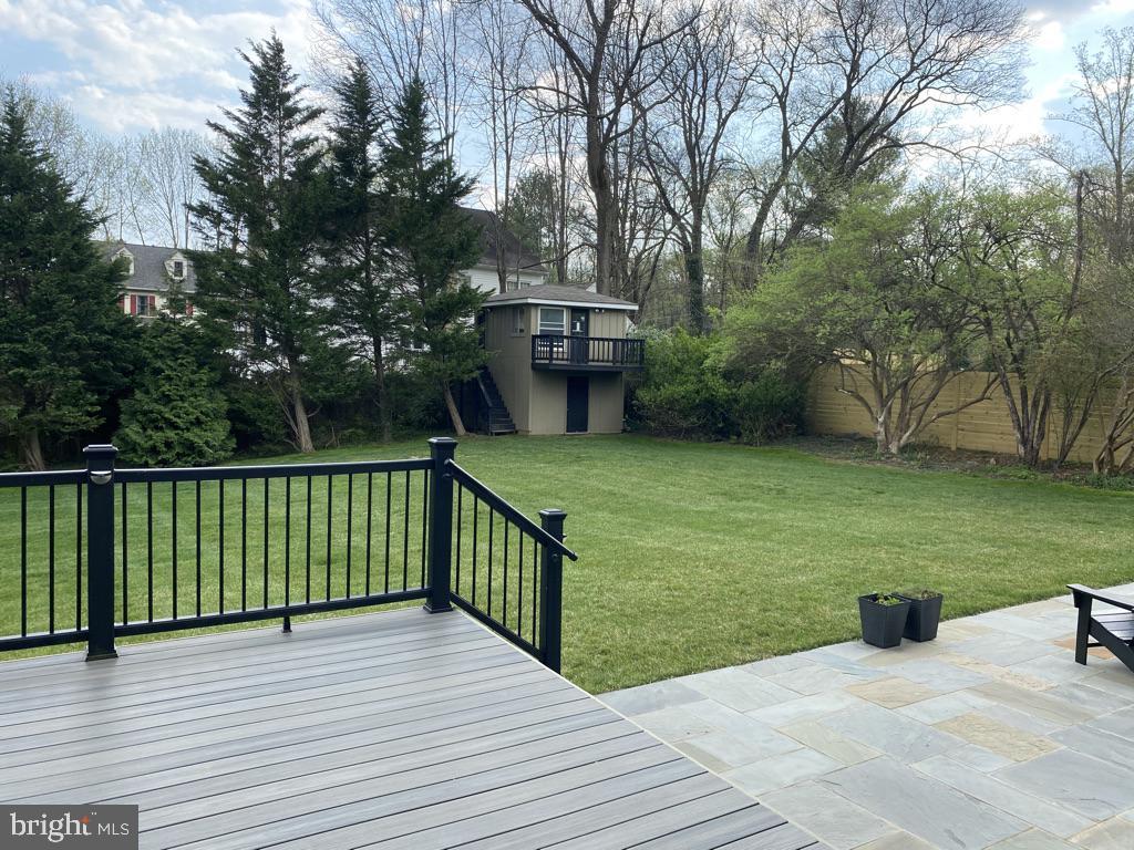 Expansive Backyard - 7205 ELIZABETH DR, MCLEAN