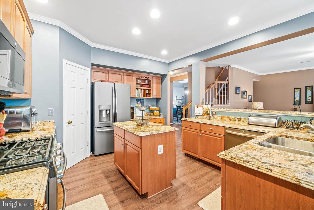 Kitchen - 4170 MCCLOSKEY CT, CHANTILLY