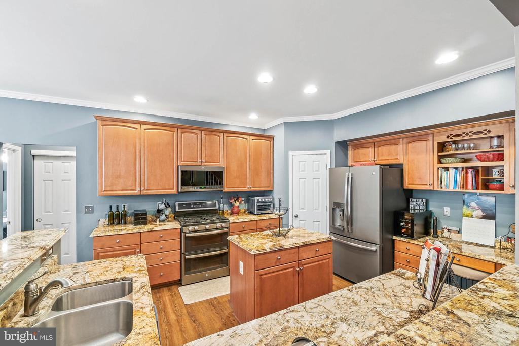 Kitchen From Family Room - 4170 MCCLOSKEY CT, CHANTILLY
