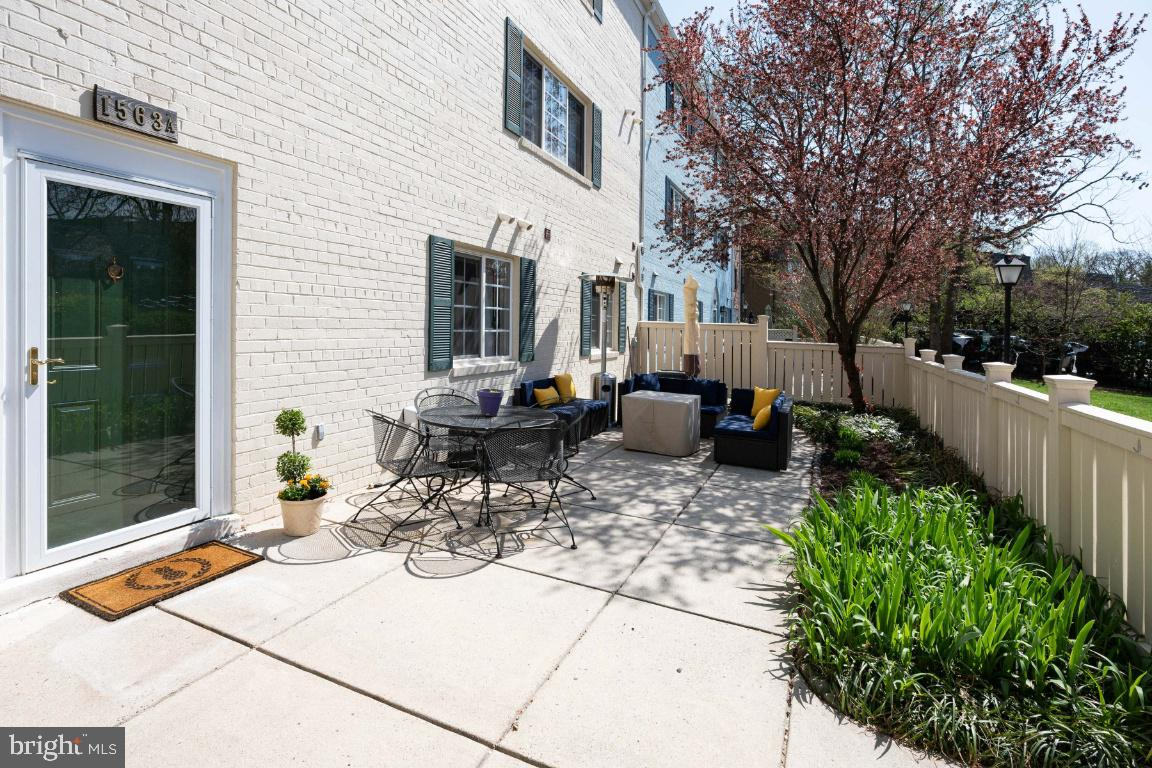 1563 VAN DORN STREET, ALEXANDRIA, Virginia 22304, 2 Bedrooms Bedrooms, 7 Rooms Rooms,2 BathroomsBathrooms,Residential,For Sale,VAN DORN,1,VAAX258344