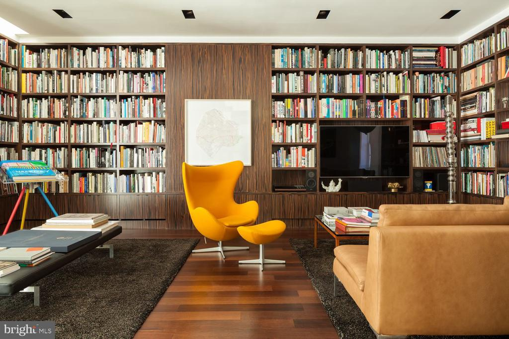Library with Built-ins - 3304 R ST NW, WASHINGTON