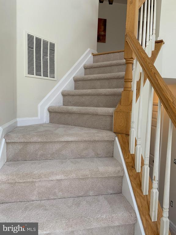 New Carpet on Stairs and Upper Level - 11436 ABNER AVE, FAIRFAX
