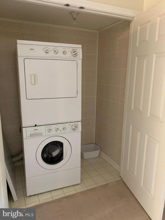 Stackable Washer/Dryer - 11436 ABNER AVE, FAIRFAX