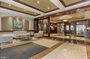 Welcoming foyer with 24 hours concierges - 888 N QUINCY ST #802, ARLINGTON