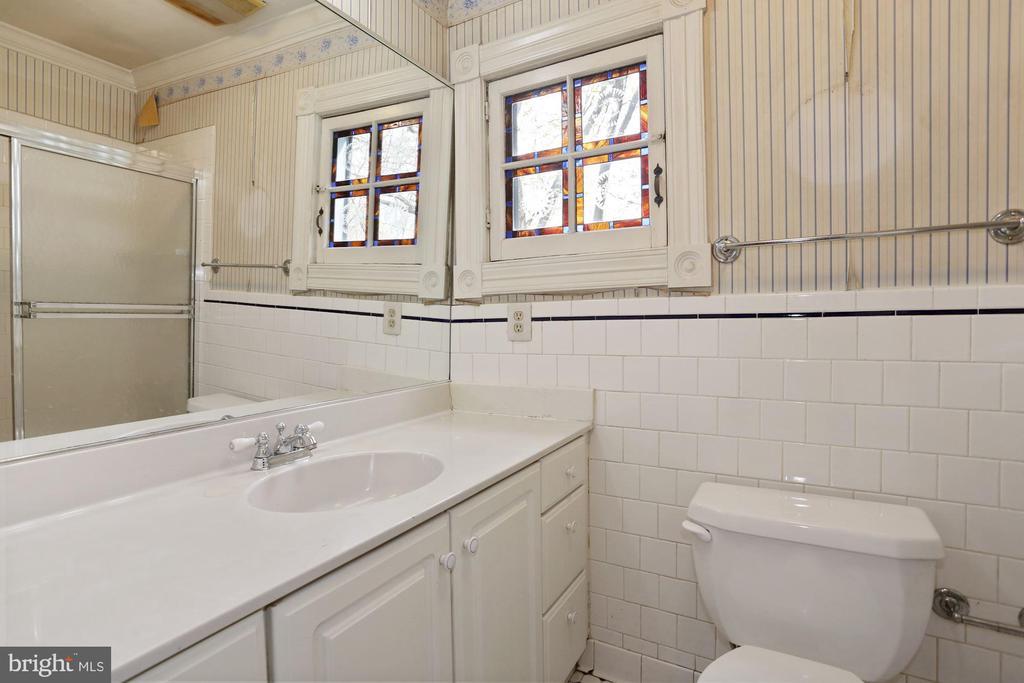 Master Bath - 7704 IDYLWOOD RD, FALLS CHURCH