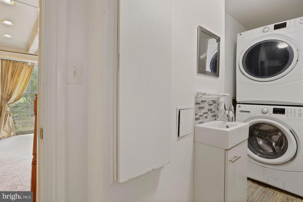 Laundry room - 7704 IDYLWOOD RD, FALLS CHURCH