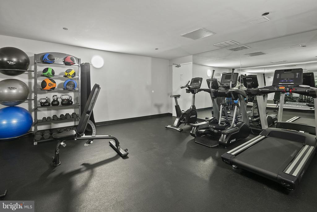Community fitness center - 1301 N COURTHOUSE RD #1114, ARLINGTON