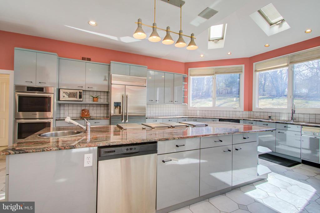 - 220 VIERLING DR, SILVER SPRING