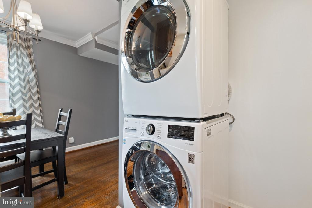 Full Size Washer and Dryer - 2941 S DINWIDDIE ST, ARLINGTON