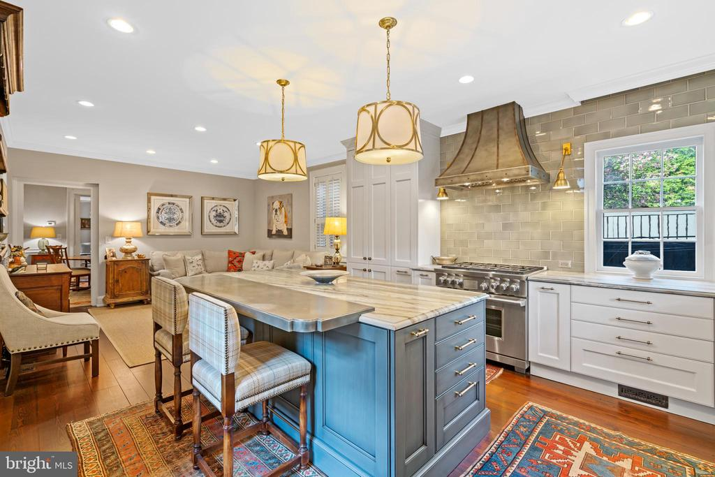 Open Gourmet Kitchen/Family Room - 3013 P ST NW, WASHINGTON