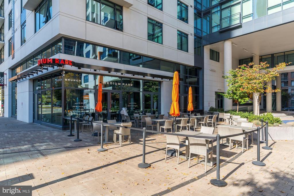 Walk to Restaurants including Medium Rare - 3625 10TH ST N #903, ARLINGTON