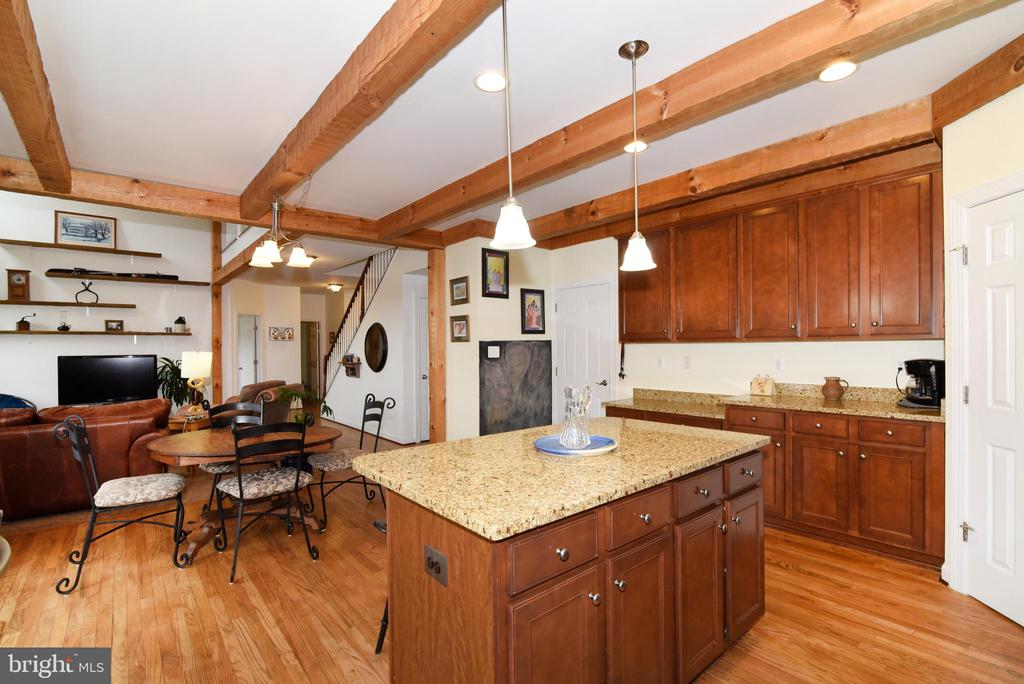 Cozy Kitchen - 36494 WINDING OAK PL, PURCELLVILLE