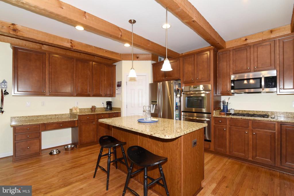 Kitchen - 36494 WINDING OAK PL, PURCELLVILLE