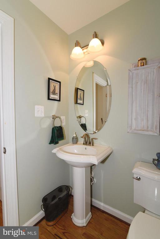 Bath  Main Level - 36494 WINDING OAK PL, PURCELLVILLE