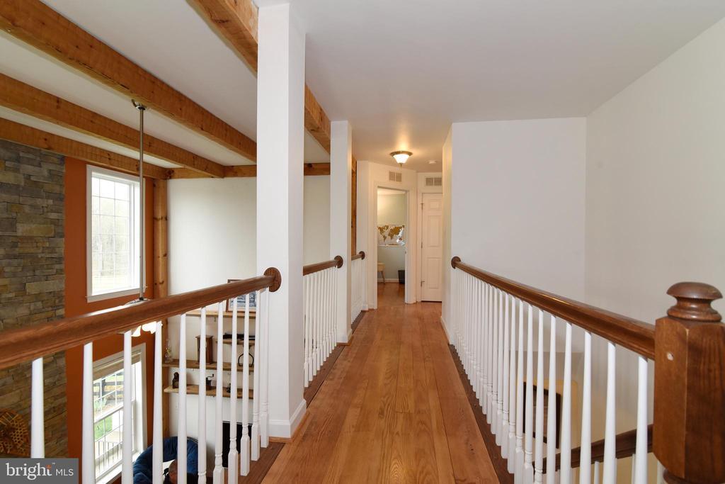 Beautiful Wormy Oak Floors - 36494 WINDING OAK PL, PURCELLVILLE