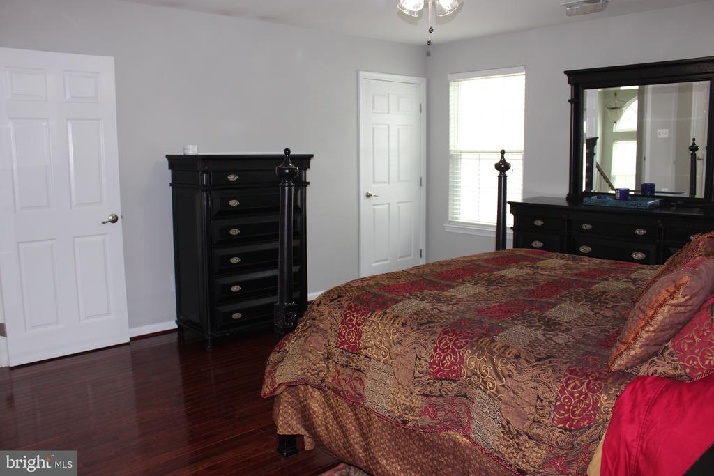 Master Bedroom - 43023 TIPPMAN PL, CHANTILLY