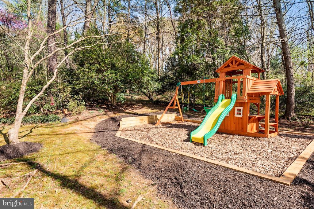 New Playground!  A Priceless Pandemic Project! - 11007 HOWLAND DR, RESTON