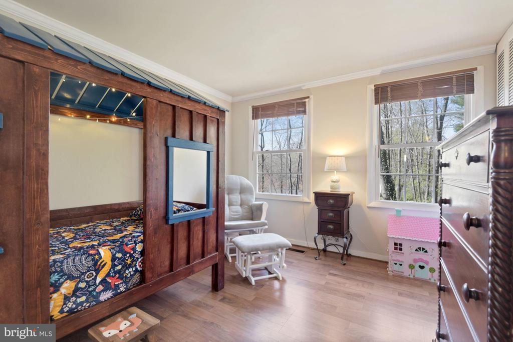 Bedroom #3 - Nice Big Windows! Wide Plank Floors! - 11007 HOWLAND DR, RESTON