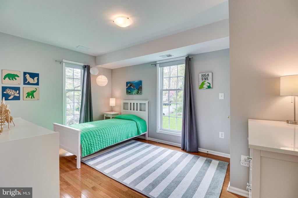 Bedroom 2, second floor - 7945 BOLLING DR, ALEXANDRIA