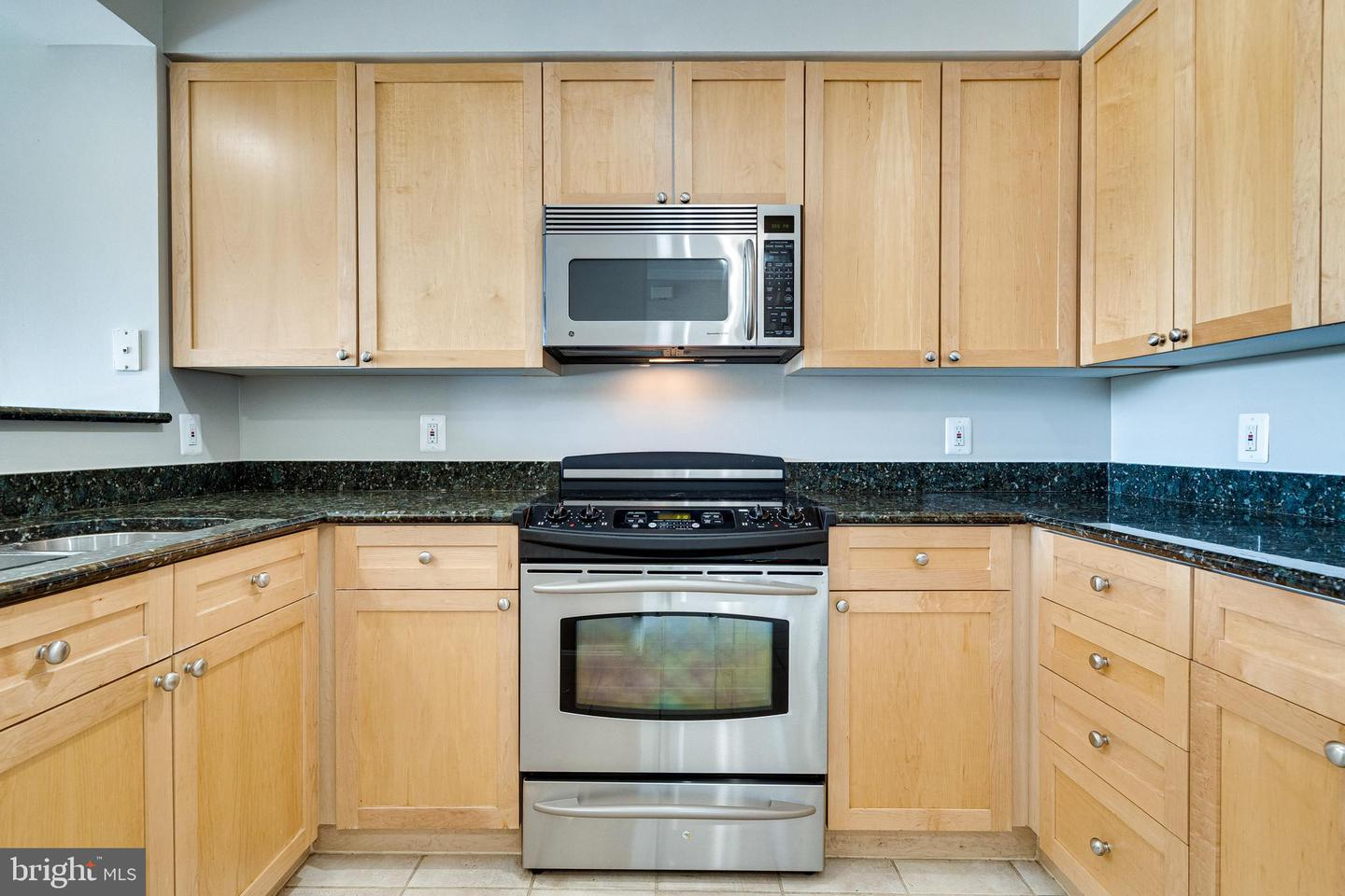 3101 HAMPTON DRIVE, ALEXANDRIA, Virginia 22302, 1 Bedroom Bedrooms, ,1 BathroomBathrooms,Residential,For Sale,HAMPTON,9,VAAX257936