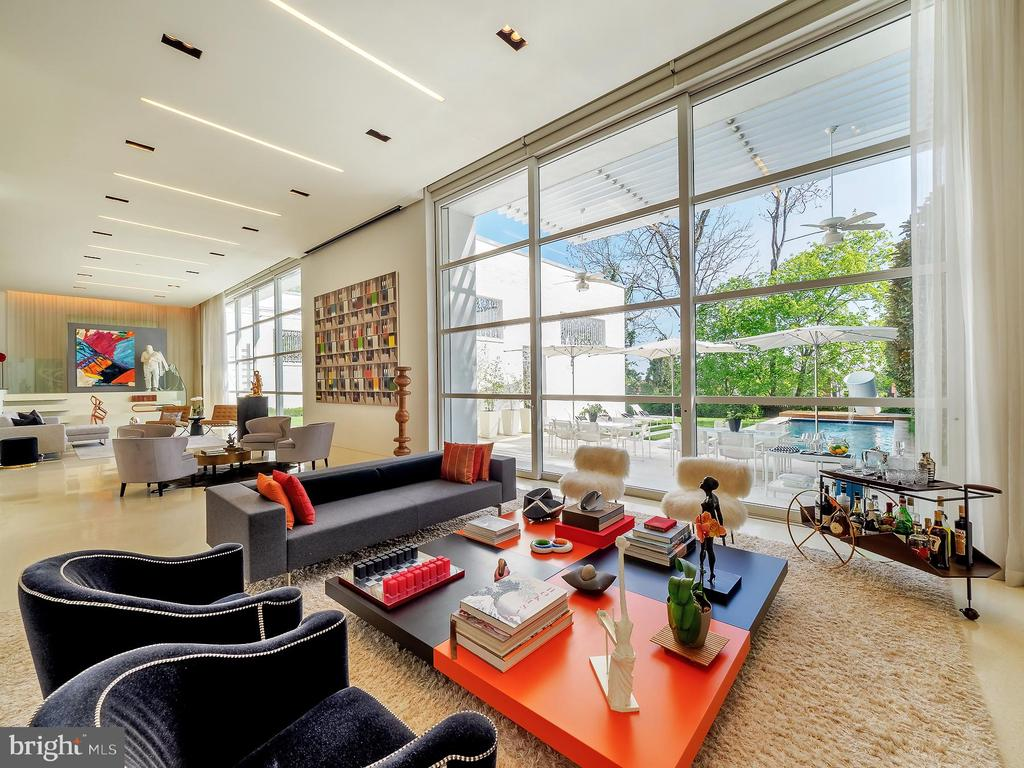 Expansive Living Room with 15 ft Ceilings - 3304 R ST NW, WASHINGTON