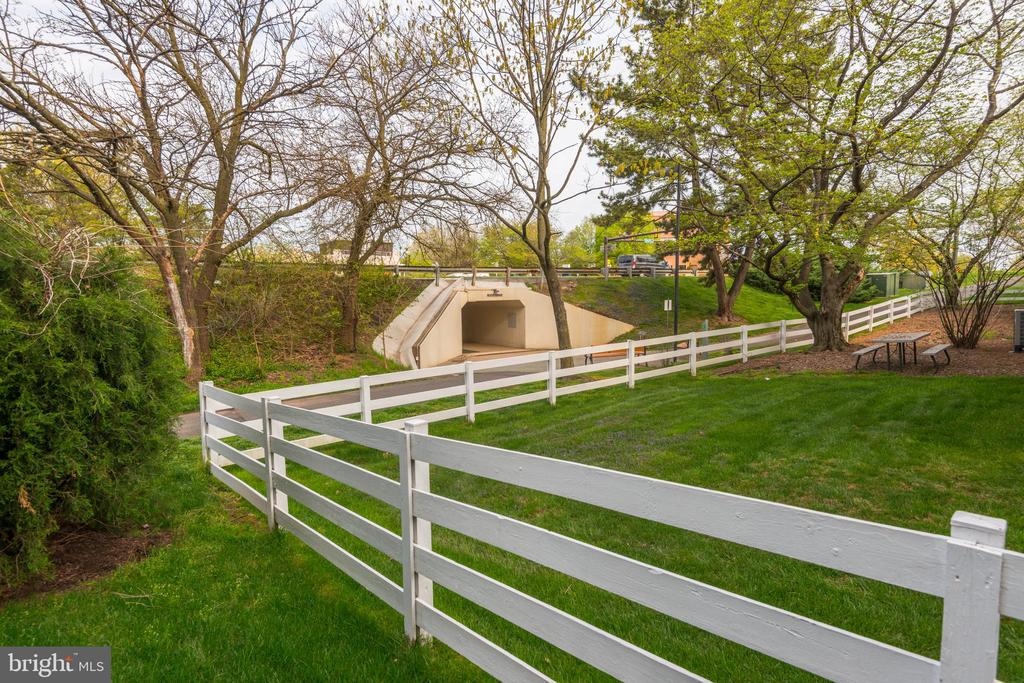Tunnel from condos to Reston Town Center - 1791 JONATHAN WAY #A, RESTON