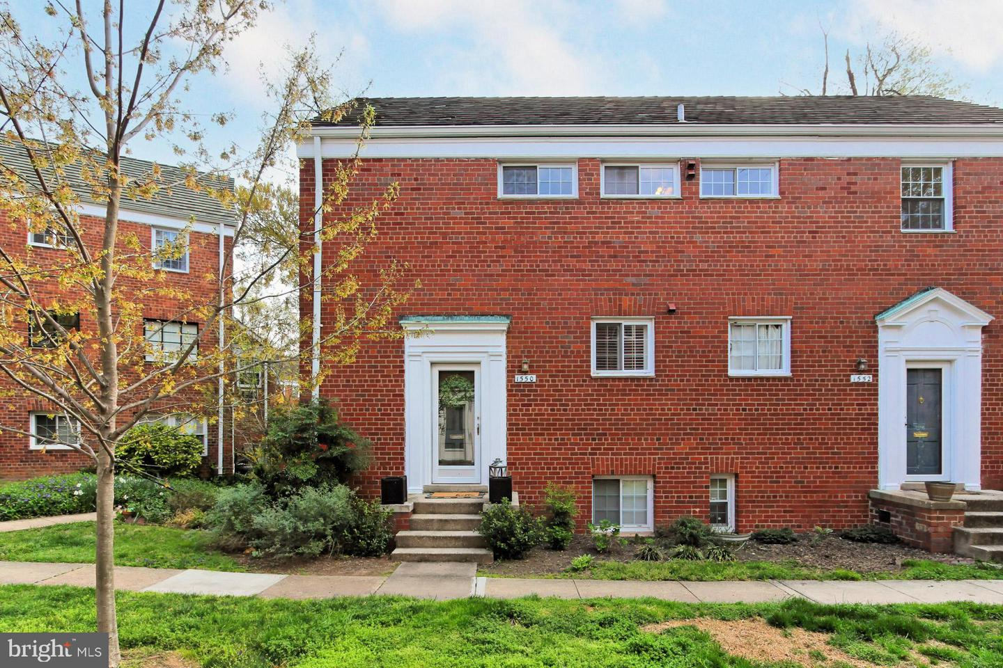 1550 MOUNT EAGLE PLACE, ALEXANDRIA, Virginia 22302, 2 Bedrooms Bedrooms, ,1 BathroomBathrooms,Residential,For Sale,ParkFairfax,MOUNT EAGLE,VAAX258516