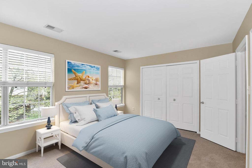 Large master with private bathroom - 20854 APOLLO TER, ASHBURN