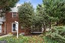 End-unit with a side porch and yard! - 1033 N MONROE ST, ARLINGTON