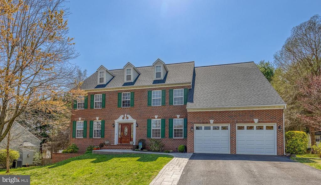Stunning Colonial in The Manors of Parkridge - 3 LEGAL CT, STAFFORD