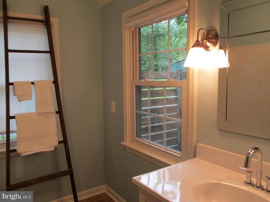 Contemoary New Bathroom - 29 S GREENWAY AVE, BOYCE