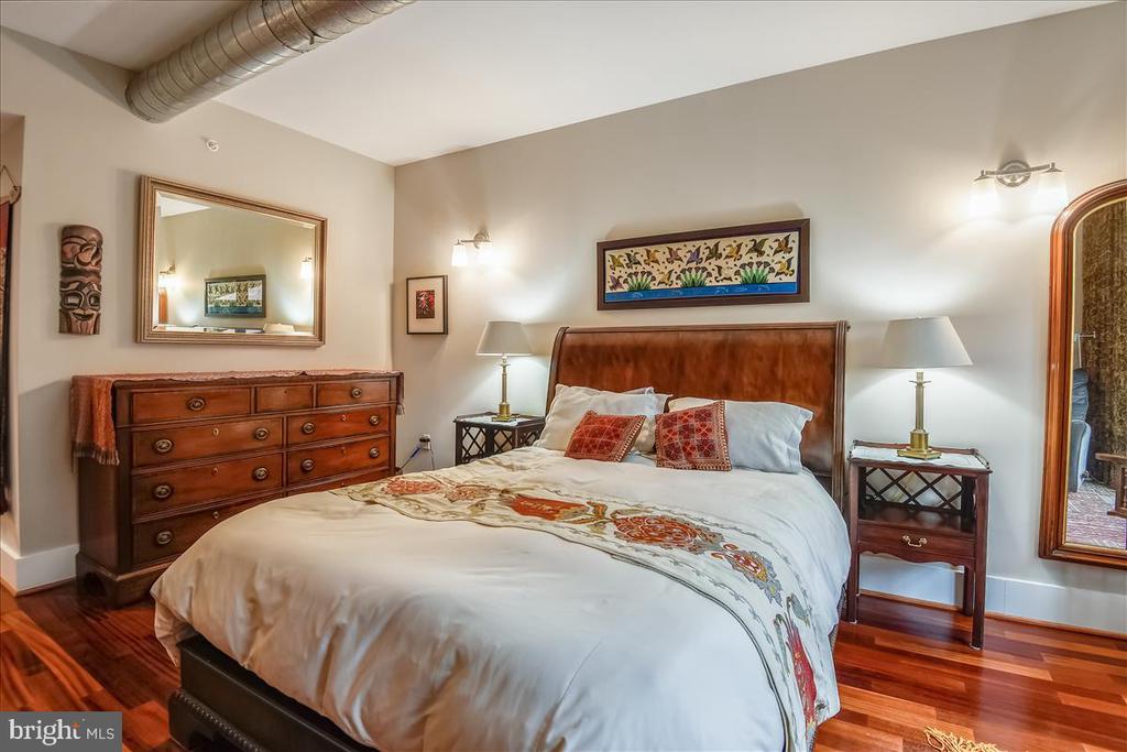 Primary Bedroom Suite - 1615 N QUEEN ST #M204, ARLINGTON