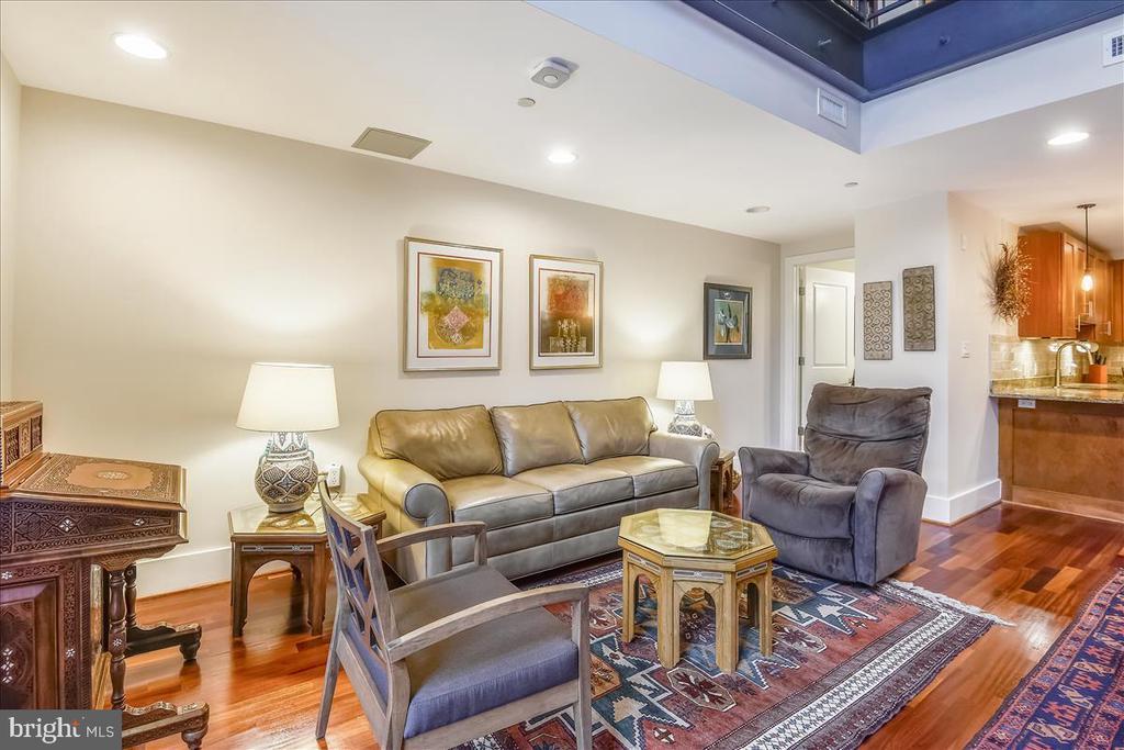 Living Room - 1615 N QUEEN ST #M204, ARLINGTON