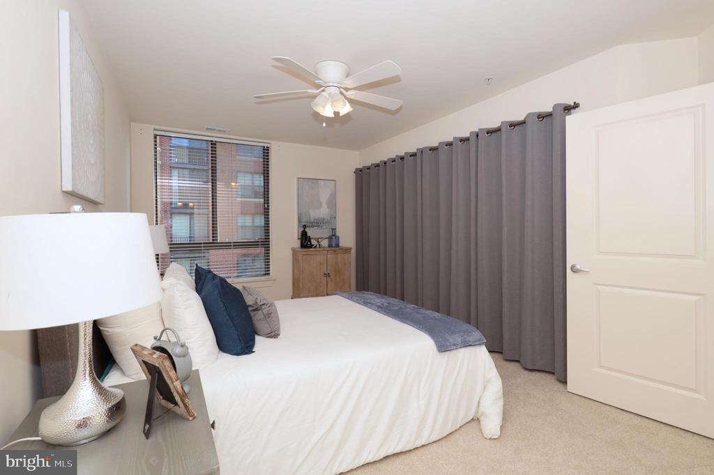 Owner's Bedroom - 1200 N HARTFORD ST #502, ARLINGTON