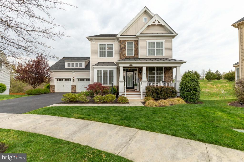 Toll Brothers Parker Model - 24215 CRABTREE CT, ALDIE