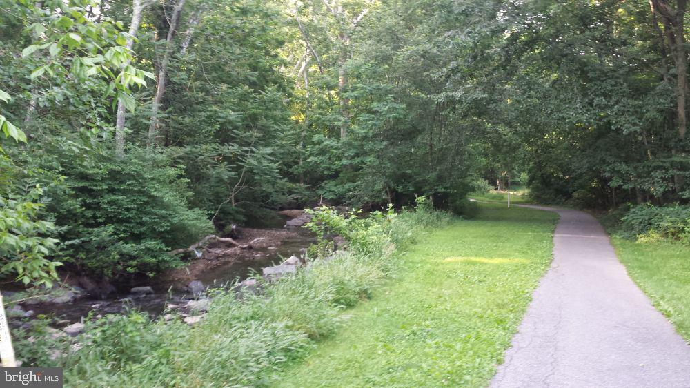 Enjoy nearby parks with walking paths - 10 LODGE PL, ROCKVILLE