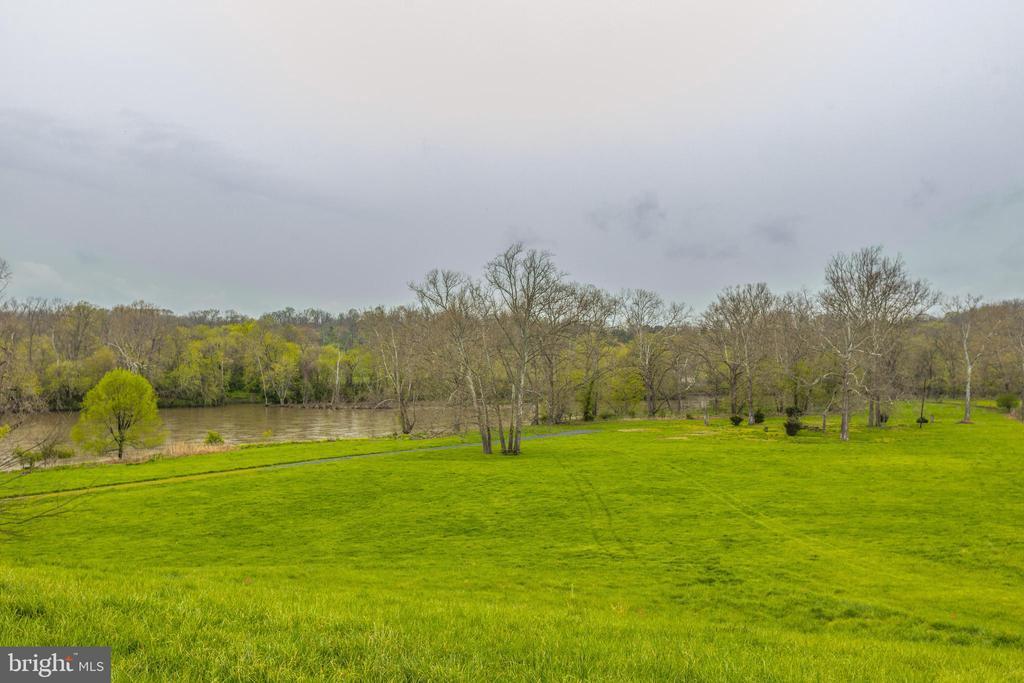 Community Rec area on the Shenandoah River - 4034 CALMES NECK LN, BOYCE
