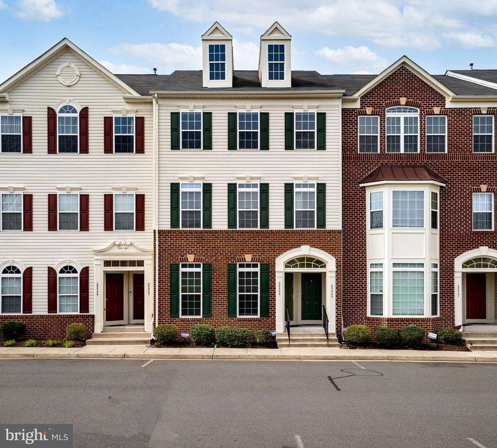 Welcome Home! - 25325 PATRIOT TER, ALDIE