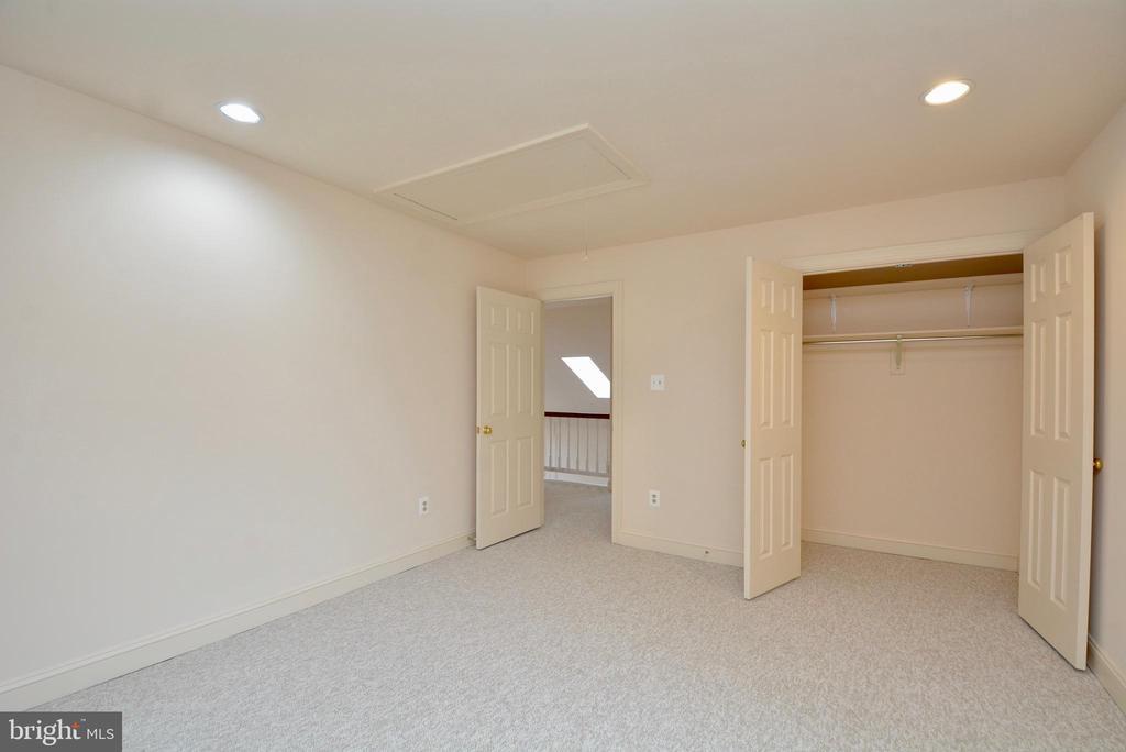 Bedroom 3 - 10526 MEREWORTH LN, OAKTON