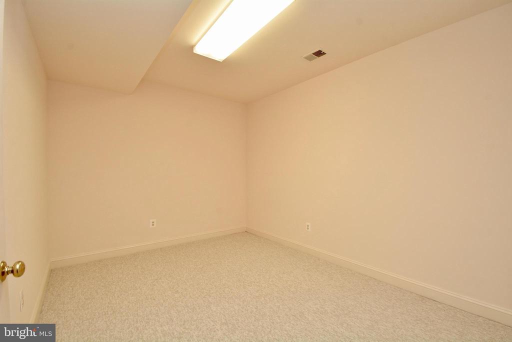 Rec . Room - 10526 MEREWORTH LN, OAKTON