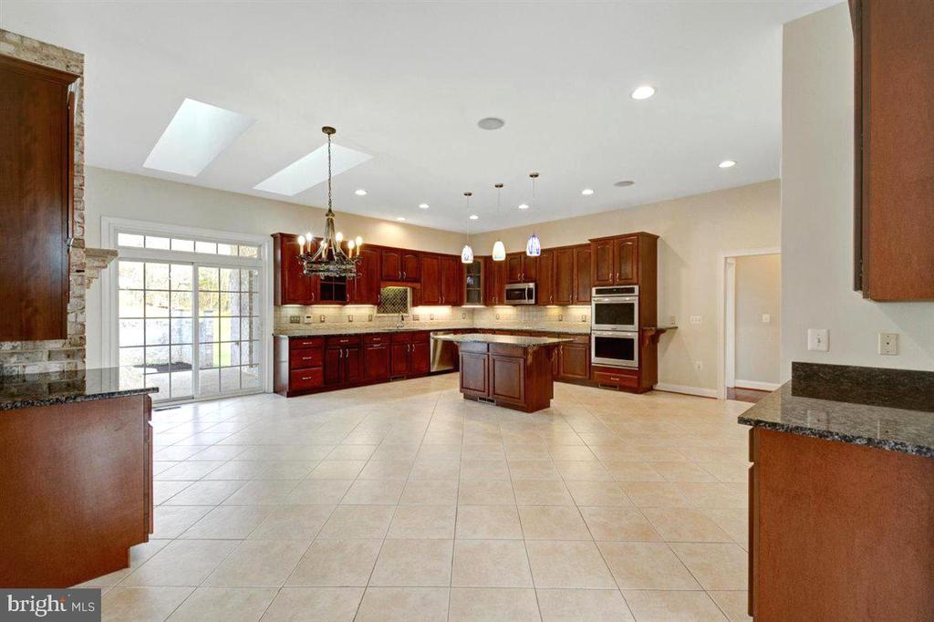Ceramic Tile Flooring, Skylights and Sound System - 14515 SHIRLEY BOHN RD, MOUNT AIRY