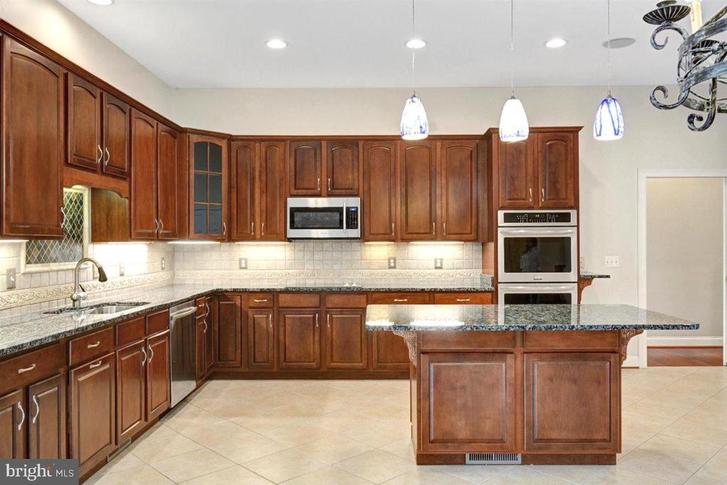 Cherry Wood Cabinetry - 14515 SHIRLEY BOHN RD, MOUNT AIRY