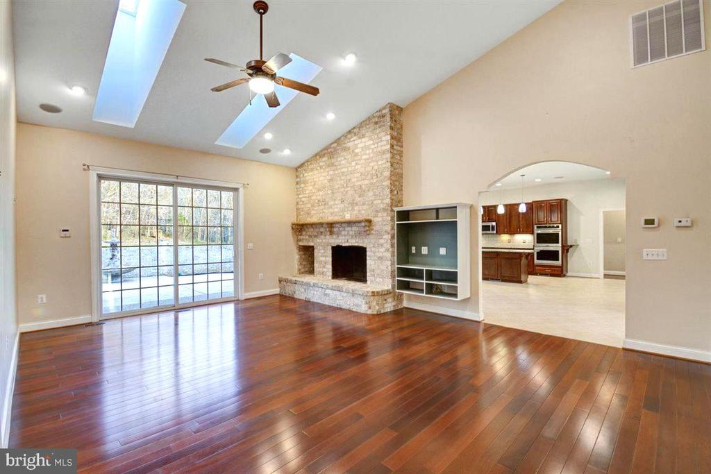 Family Room With Brick Hearth, Soaring Ceilings - 14515 SHIRLEY BOHN RD, MOUNT AIRY