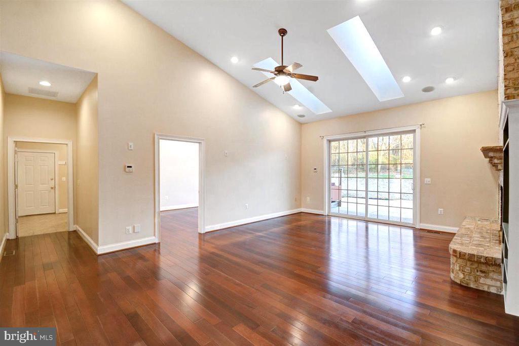 Beautiful Hardwood Flooring - 14515 SHIRLEY BOHN RD, MOUNT AIRY