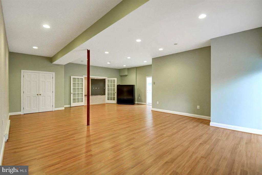 Welcome to the Apartment! - 14515 SHIRLEY BOHN RD, MOUNT AIRY