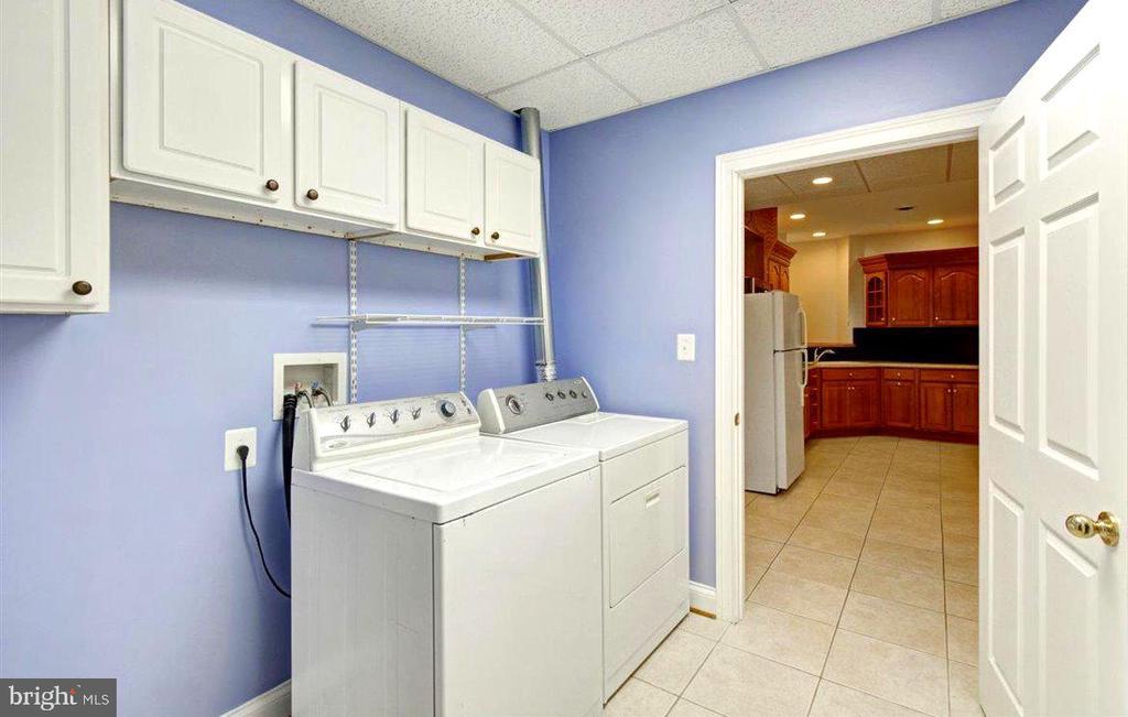 Apartment Laundry Room - 14515 SHIRLEY BOHN RD, MOUNT AIRY
